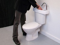 Access to a WiCi Concept basin adaptable on existing toilets - Atelier Création JF