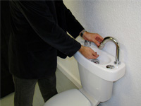 WiCi Concept hand wash basin, in action - 2 of 3